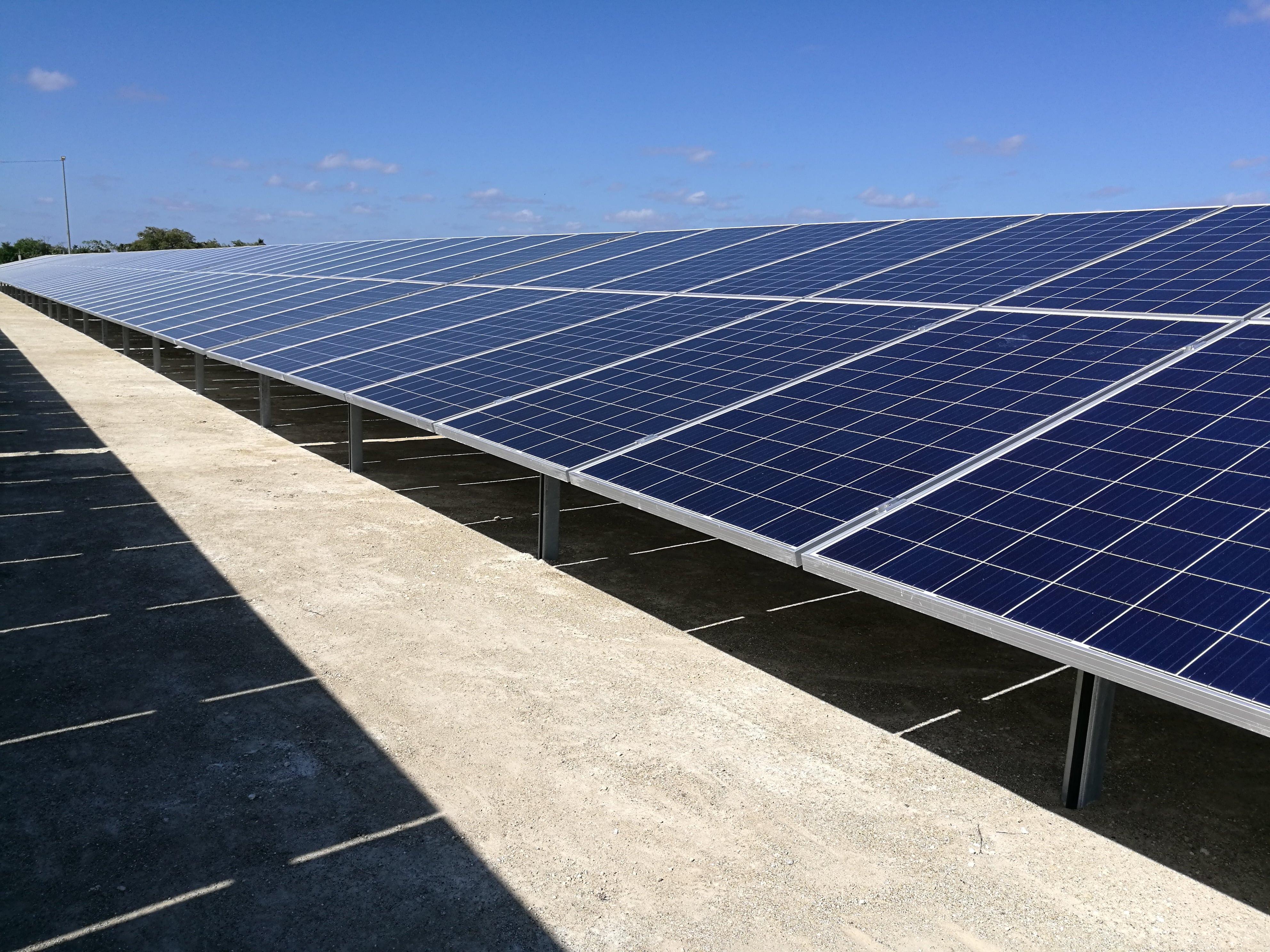 Sistemas fotovoltaicos para Mayajigua
