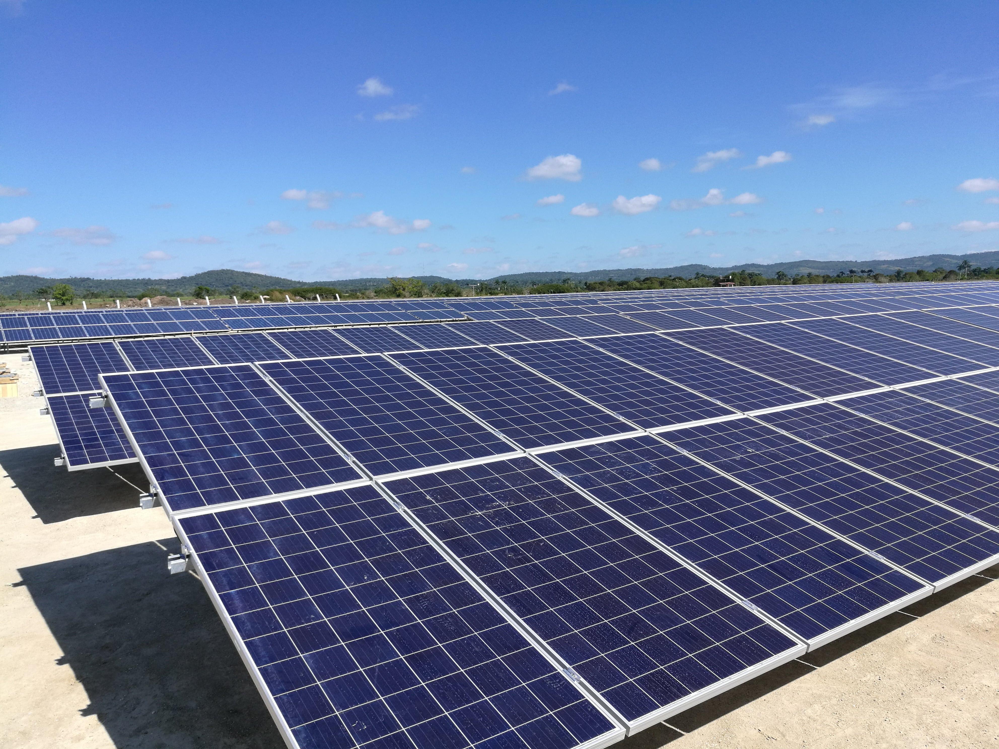 Sistemas fotovoltaicos en Mayajigua, America Latino