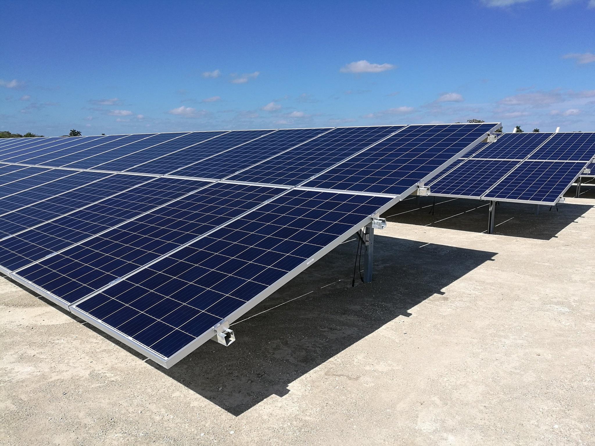 Sistema fotovoltaico en Matanzas, Cuba