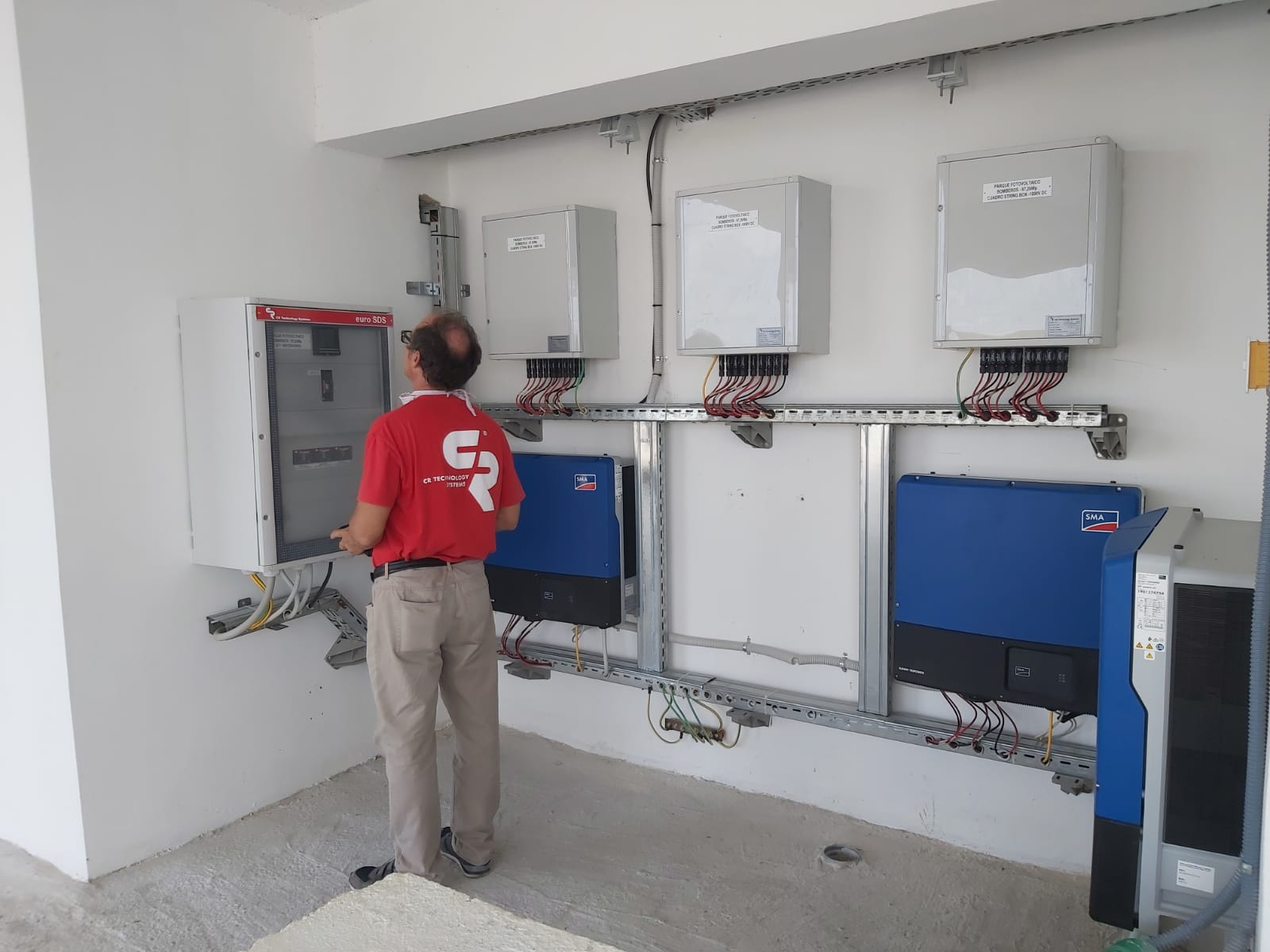 Paneles BT para sistema fotovoltaico, Cuba